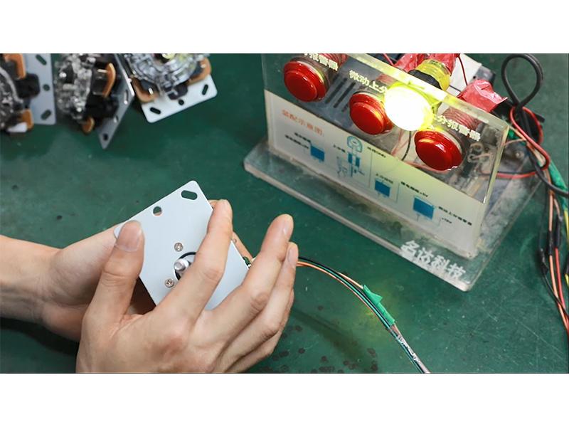 2 Pin Zero Delay Arcade Joystick Power on Test and Quality Control