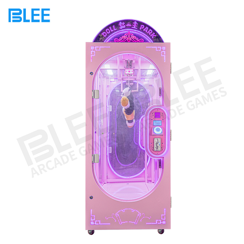 product-BLEE-Customize Coin Operated Prize Vending Machines Cut Ur Prize Push Toy Scissors Crane Mac